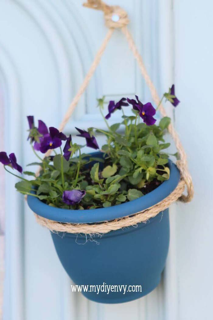 Super Simple Hanging Planter Project #diy #planter #flower #hanging #garden #decorhomeideas