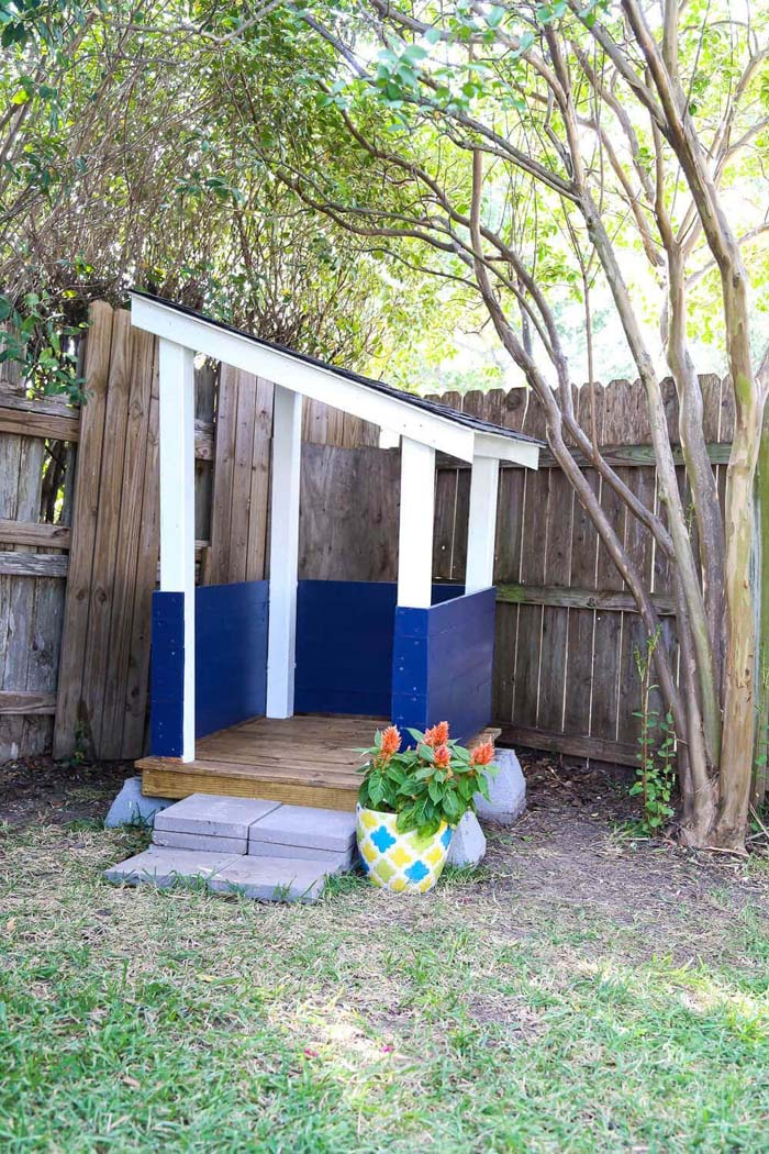 The Ultimate Outdoor Playhouse Project #diy #pallet #garden #decorhomeideas