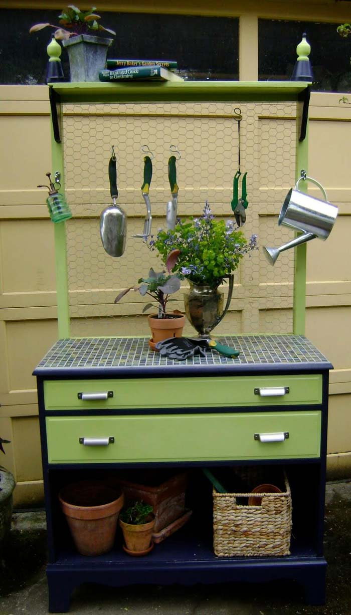 Tidy and Tiled Garden Tool Caddy #diy #potting #bench #garden #decorhomeideas