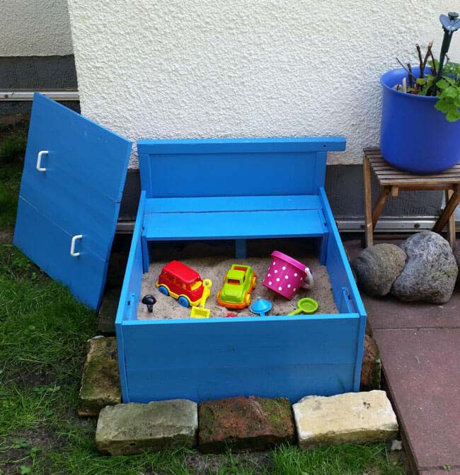 Up-cycled Sand Box with Removable Lid #diy #backyard #playarea #kids #decorhomeideas