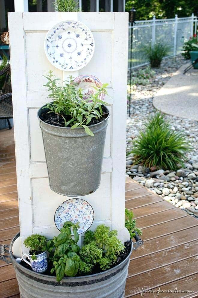 Useful Kitchen Herb Garden #diy #garden #decor #countryside #decorhomeideas