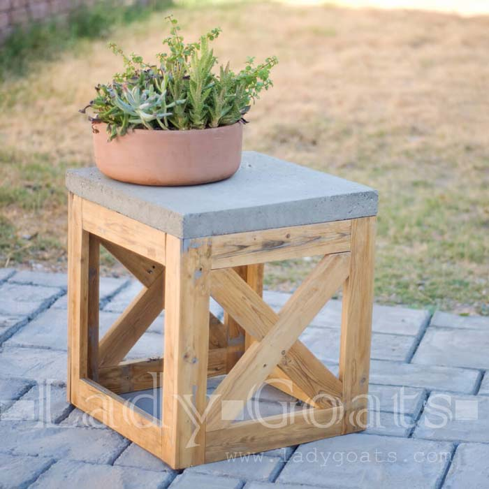 X Marks the Spot Square End Table #diy #furniture #patio #decorhomeideas
