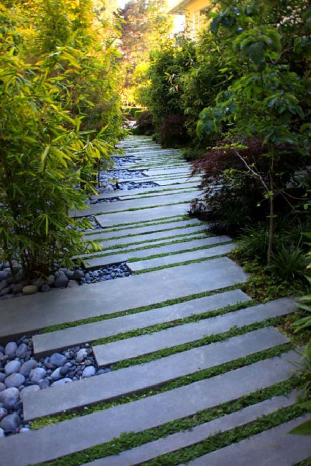You Can Even Use Concrete Strips as Stepping Stones #steppingstones #garden #backyard #pathway #decorhomeideas