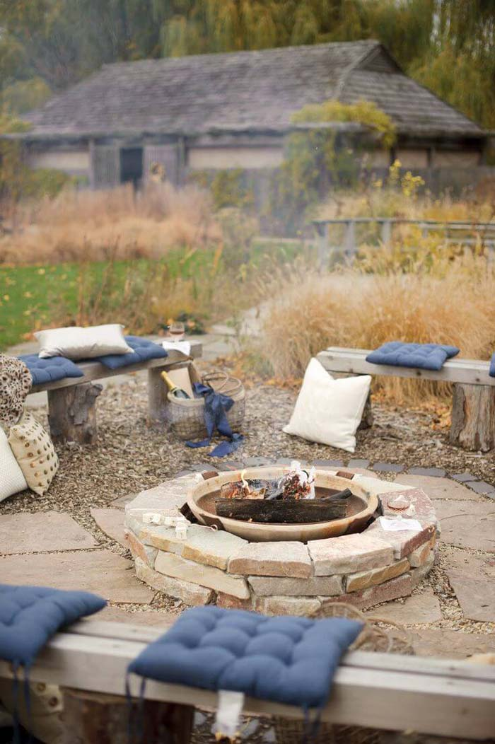 Backyard Fire Hole #diy #round #firepit #decorhomeideas