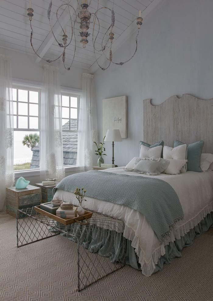 Beach and Coastal Decorating Ideas for the Bedroom #beach #coastal #decoration #decorhomeideas