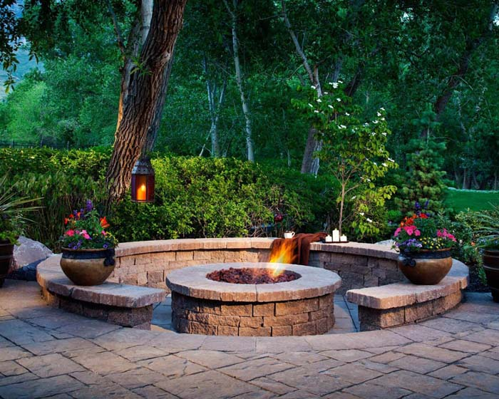 Beautiful and Cozy Fire Pit #diy #round #firepit #decorhomeideas