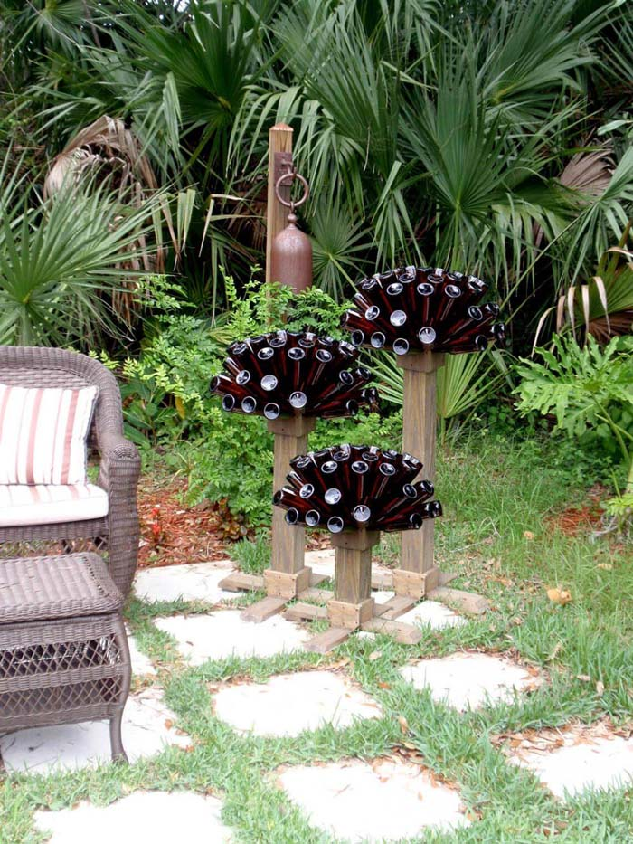 Beer Bottle Tree Cap and Base #garden #upcycled #diy #decorhomeideas