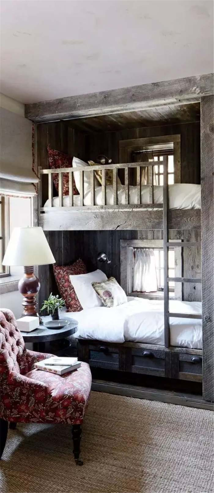 Bunk Beds with a Chair for Reading #bedroom #small #design #decorhomeideas