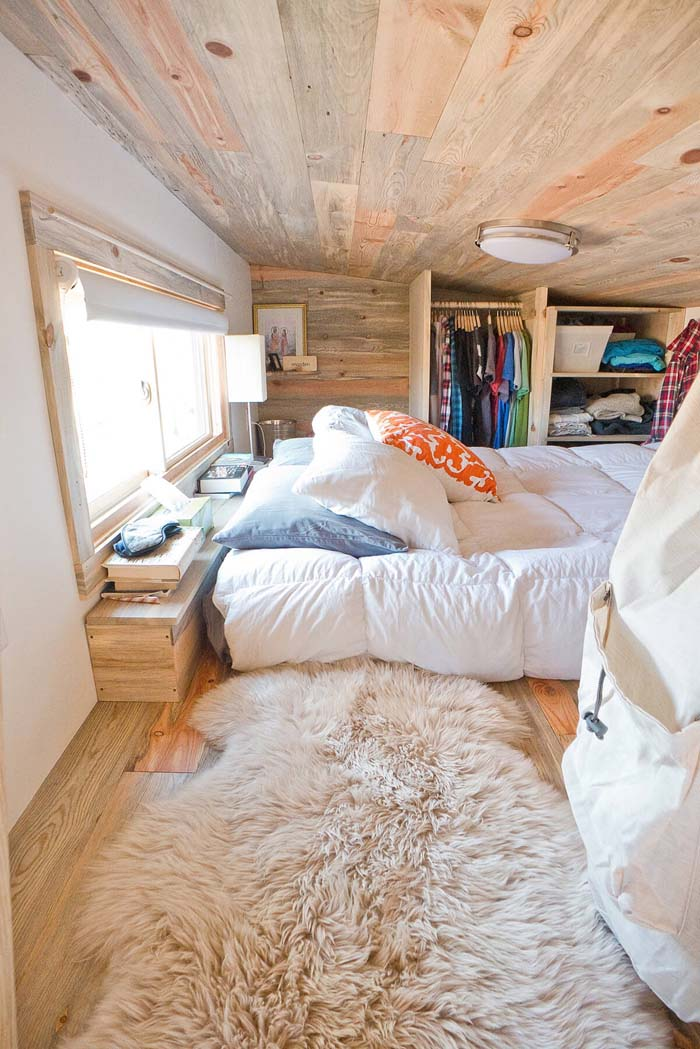 A Cabin-Style Loft that's Lacking Headspace #bedroom #small #design #decorhomeideas