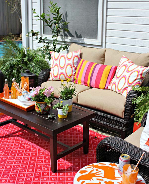 Colorful Backyard Seating #backyard #sitting #area #decorhomeideas