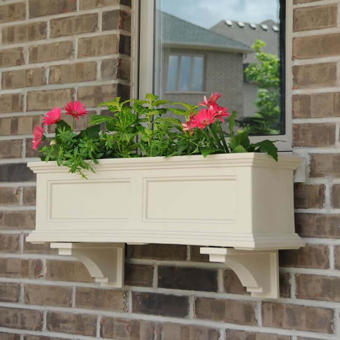 Cream Colored Flower Box With Moulding #planter #box #window #decorhomeideas