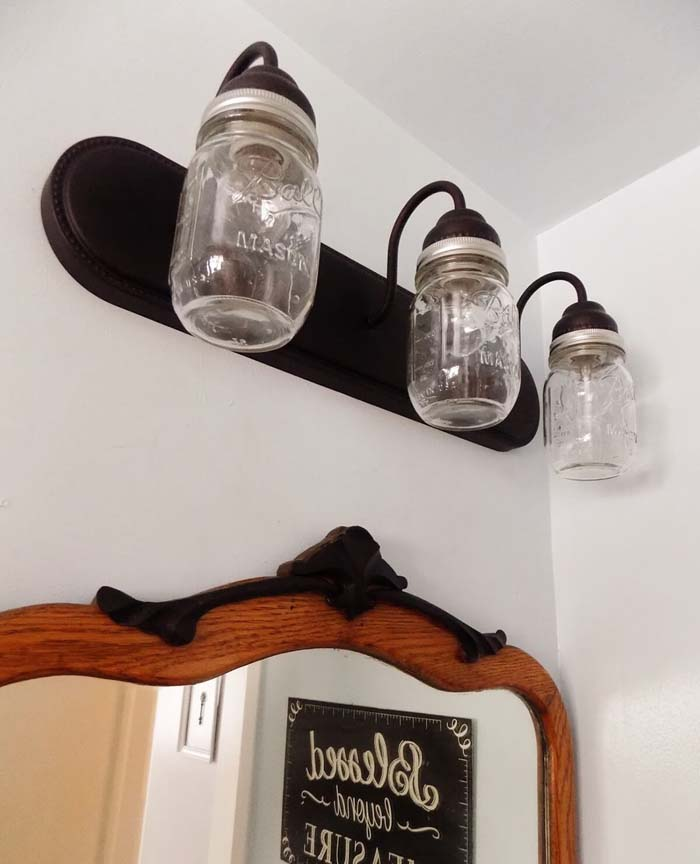 DIY Farmhouse Bathroom Light #diy #masonjar #lights #decorhomeideas