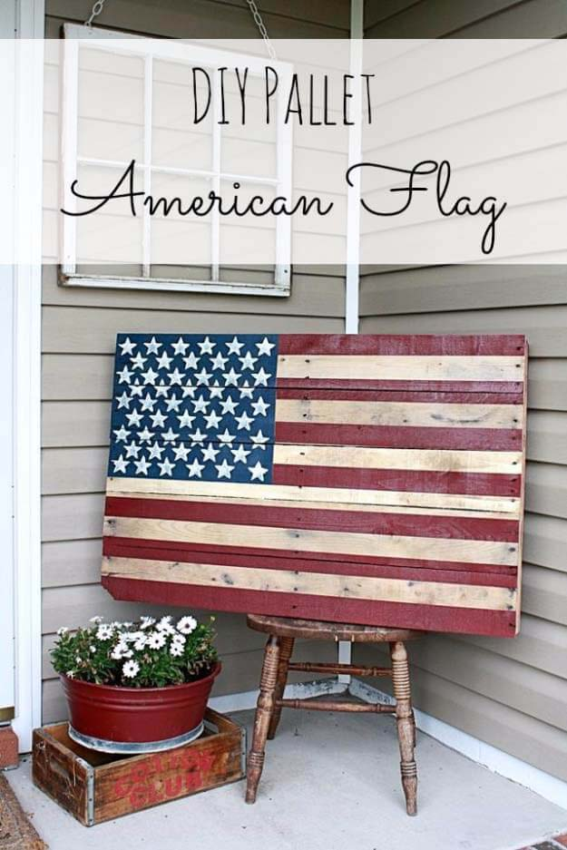 DIY Pallet American Flag #diy #paint #garden #decorations #decorhomeideas