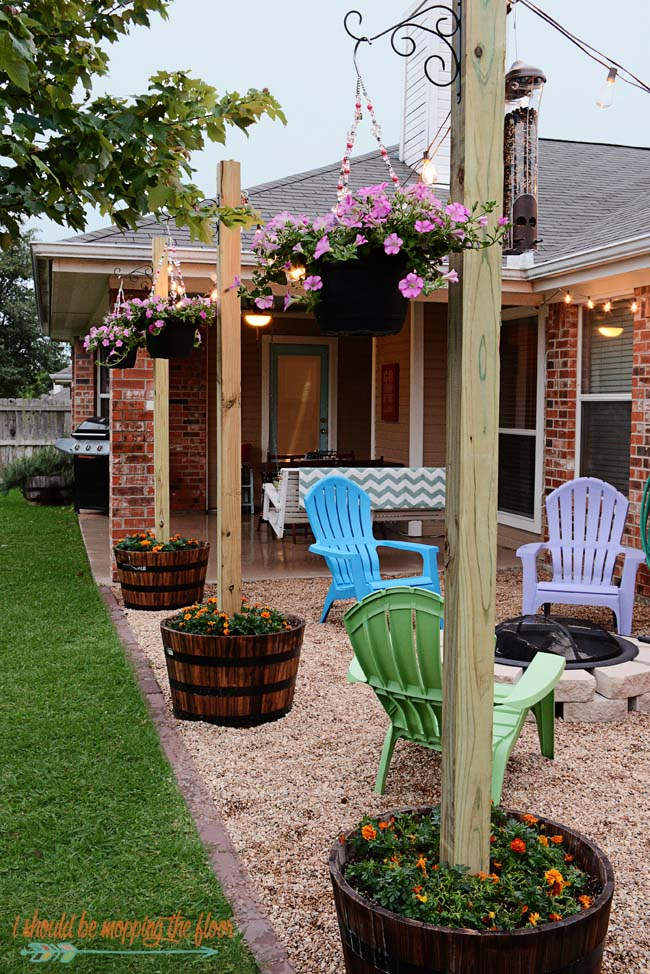 DIY Patio Area with Texas Lamp Posts #diy #patio #decorations #decorhomeideas