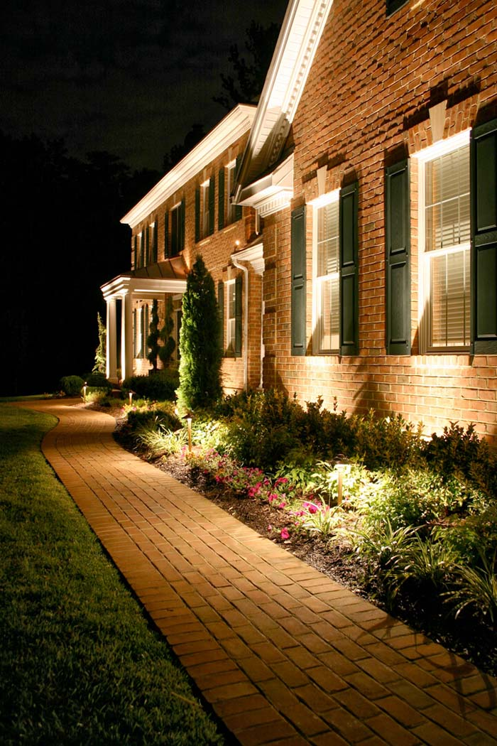 Dramatic Uplighting on Your Home #lighting #landscape #garden #decorhomeideas
