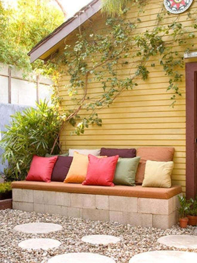 Easy Cinder Block Bench #diy #patio #decorations #decorhomeideas