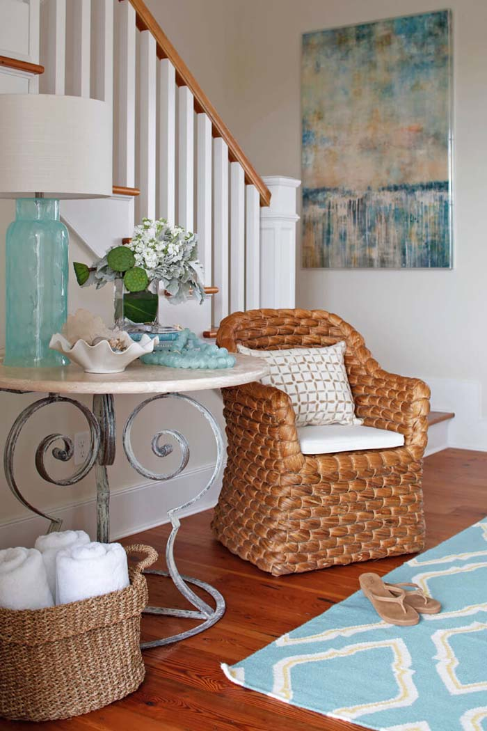 Entryway Beach and Coastal Decorating Ideas #beach #coastal #decoration #decorhomeideas