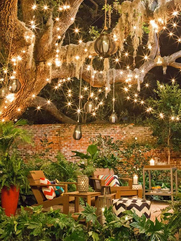 Fairy Lights and Lounge Chairs #diy #patio #decorations #decorhomeideas