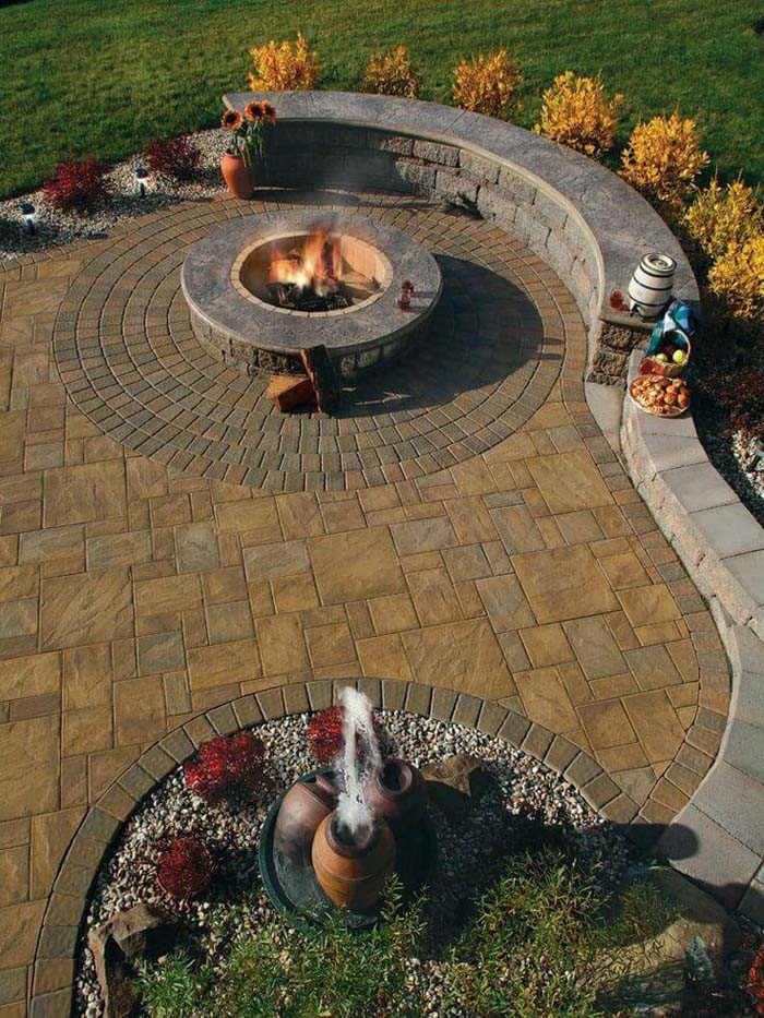 Firepit Alongside a Beautiful Garden Wall #diy #round #firepit #decorhomeideas