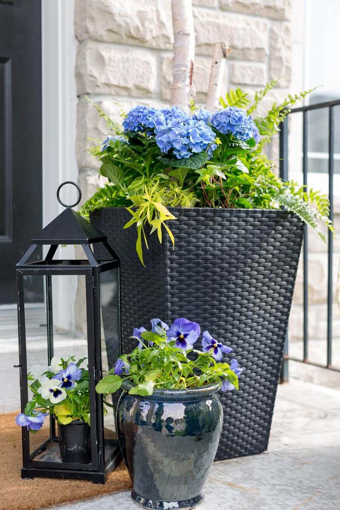 Front Porch Planters With Hydrangeas #diy #planter #porch #decorhomeideas