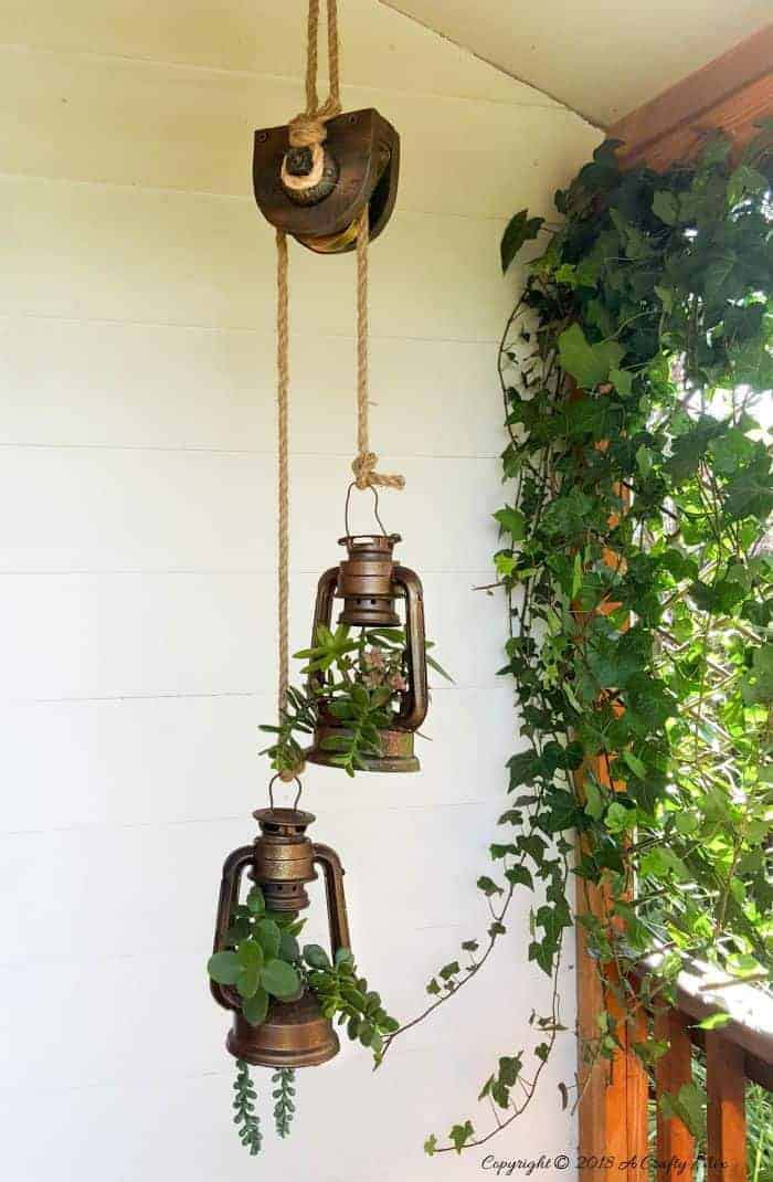 Hanging Lantern Succulent Upcycled Holder #garden #upcycled #diy #decorhomeideas