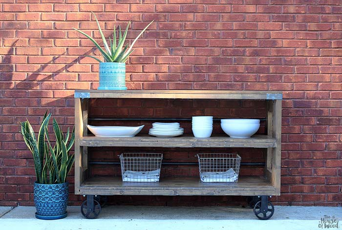 Industrial Wood and Steel Console #diy #outdoor #furniture #decorhomeideas