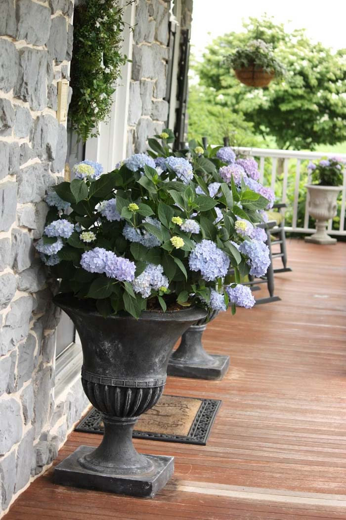 Large Footed Planters #diy #planter #porch #decorhomeideas