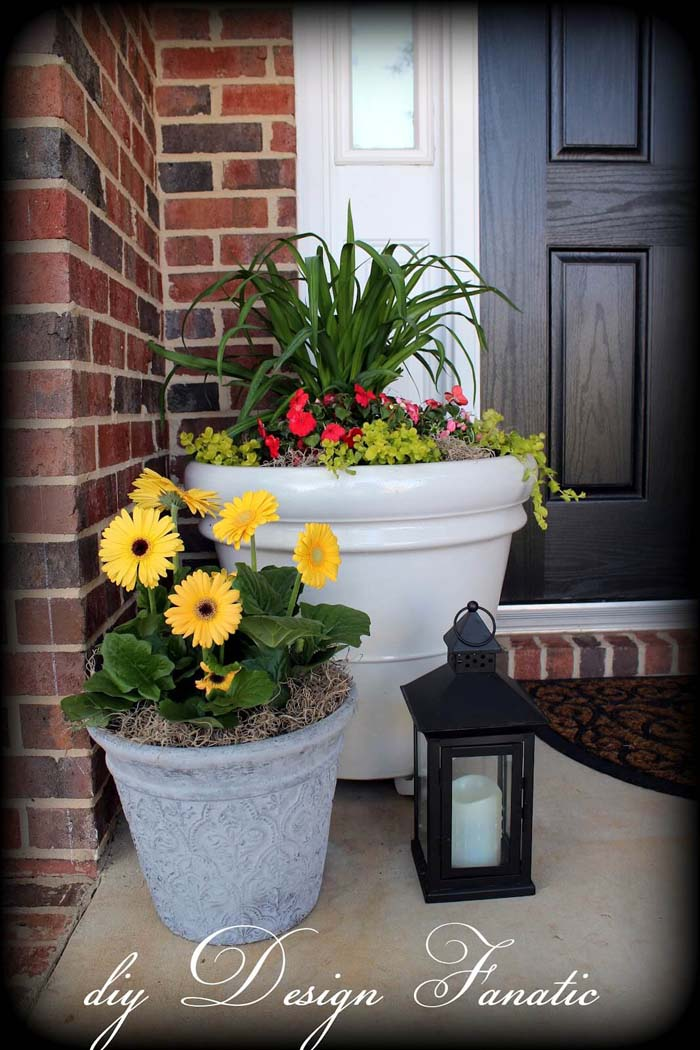 Large Planters with Greens and Gerbera Daisies #diy #planter #porch #decorhomeideas