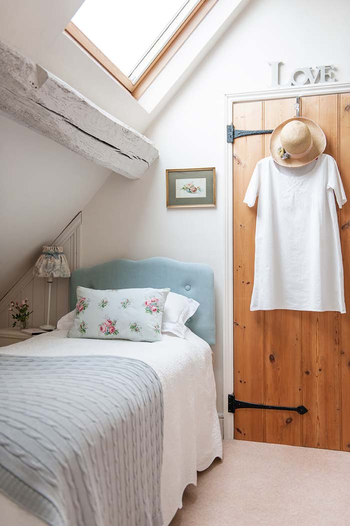 Making the Most of an A-Frame Design #bedroom #small #design #decorhomeideas