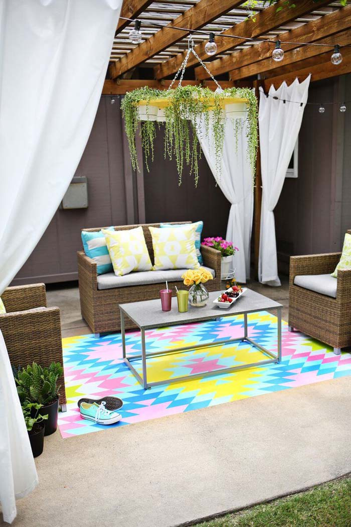 Paint Your Own Outdoor Rug #diy #paint #garden #decorations #decorhomeideas