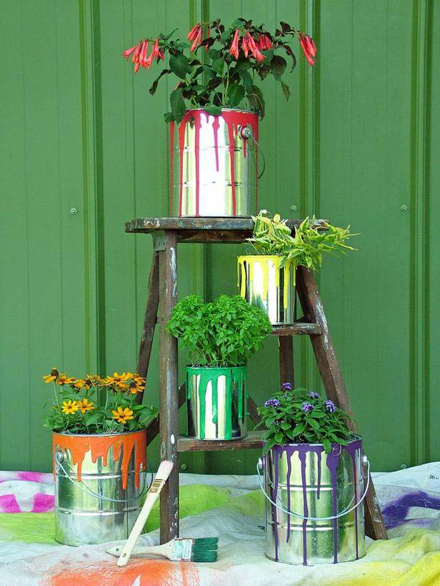 Painted Cans and Ladder #garden #container #planter #decorhomeideas
