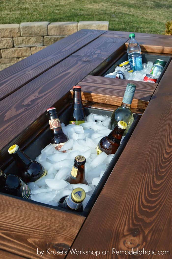Patio Cooler Table With Built-In Ice Boxes #diy #outdoor #furniture #decorhomeideas