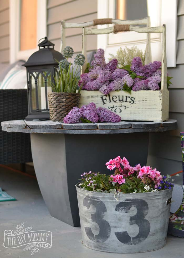 Porch Planter Ideas with Lilacs #diy #planter #porch #decorhomeideas