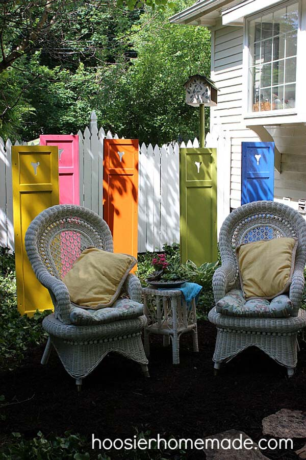 Re-Purposed Shutters Garden Art #diy #paint #garden #decorations #decorhomeideas