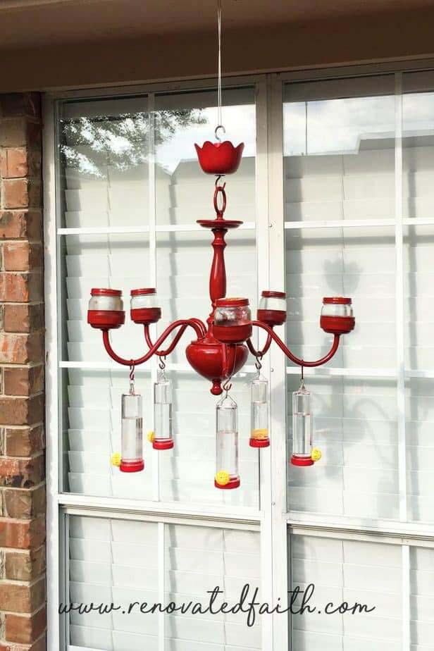 Red Hummingbird Feeder Chandelier #garden #upcycled #diy #decorhomeideas