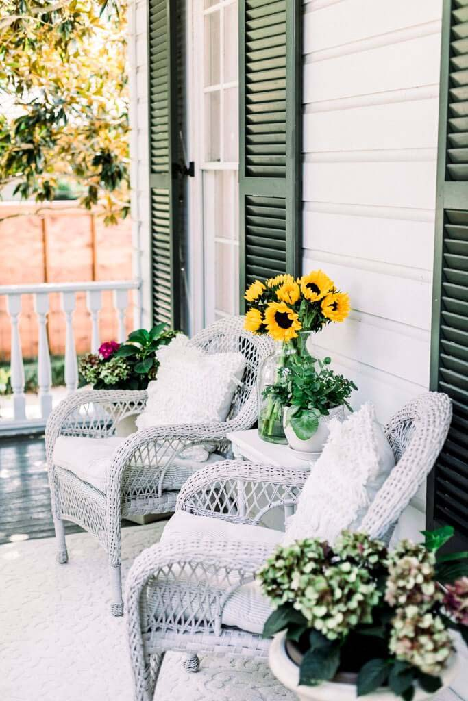 Relaxing Porch Sitting Area #backyard #sitting #area #decorhomeideas