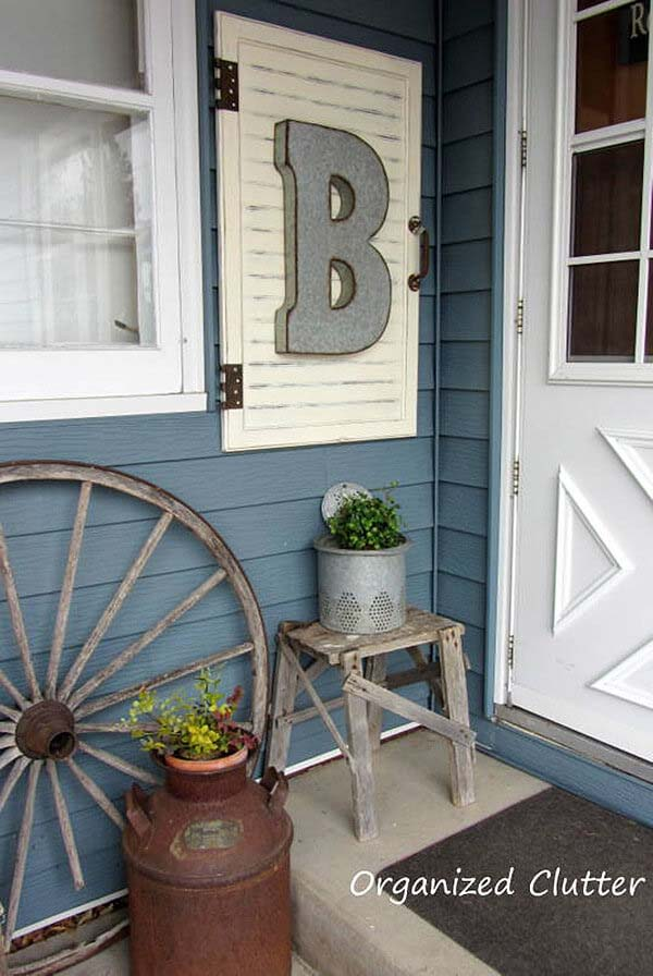 Repurposed Shutter with Name Initial #porch #wall #decor #decorhomeideas