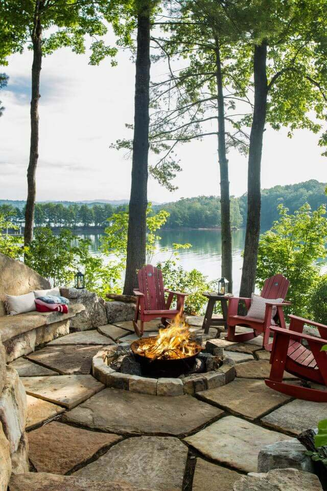 A Rustic Fire Overlooking the Lake #diy #round #firepit #decorhomeideas
