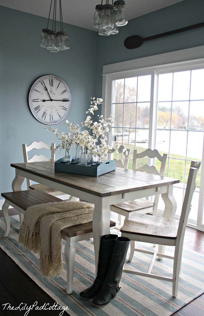 Sand and Ocean Colors Dining Together #beach #coastal #decoration #decorhomeideas