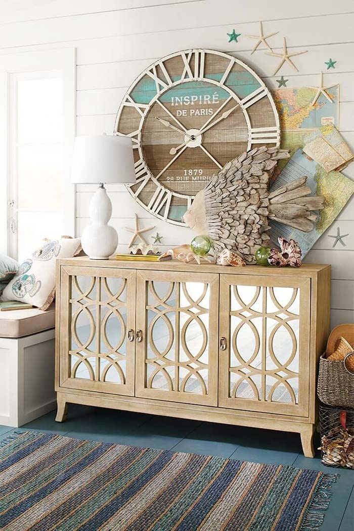 A Seashore-Inspired Wall for a Beach House #beach #coastal #decoration #decorhomeideas