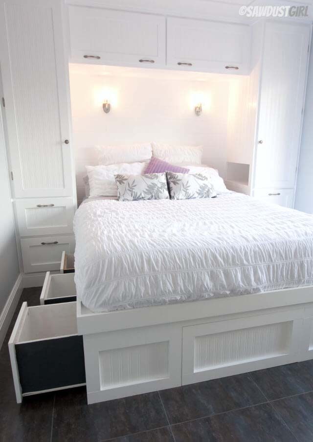 Sleep Tight Amongst the Cabinets #bedroom #small #design #decorhomeideas