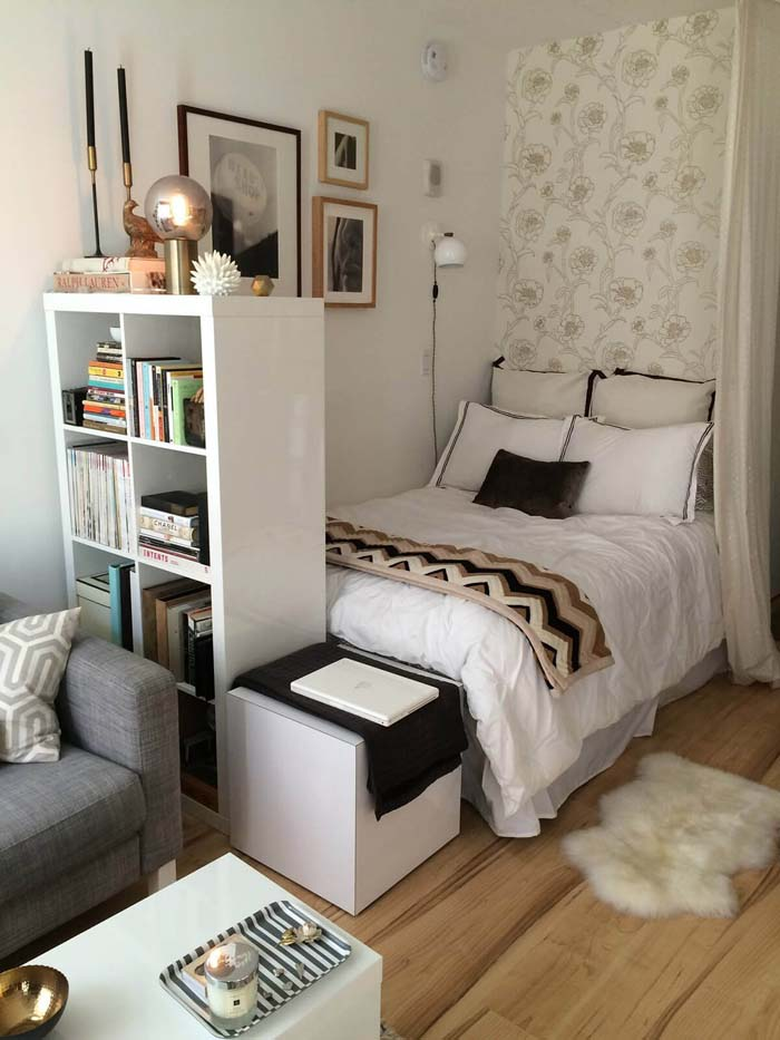 Small Bedroom Ideas with a Tall Bookshelf #bedroom #small #design #decorhomeideas