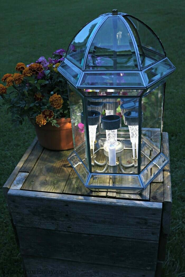 Solar Light Outdoor Upcycled Centerpiece #garden #upcycled #diy #decorhomeideas