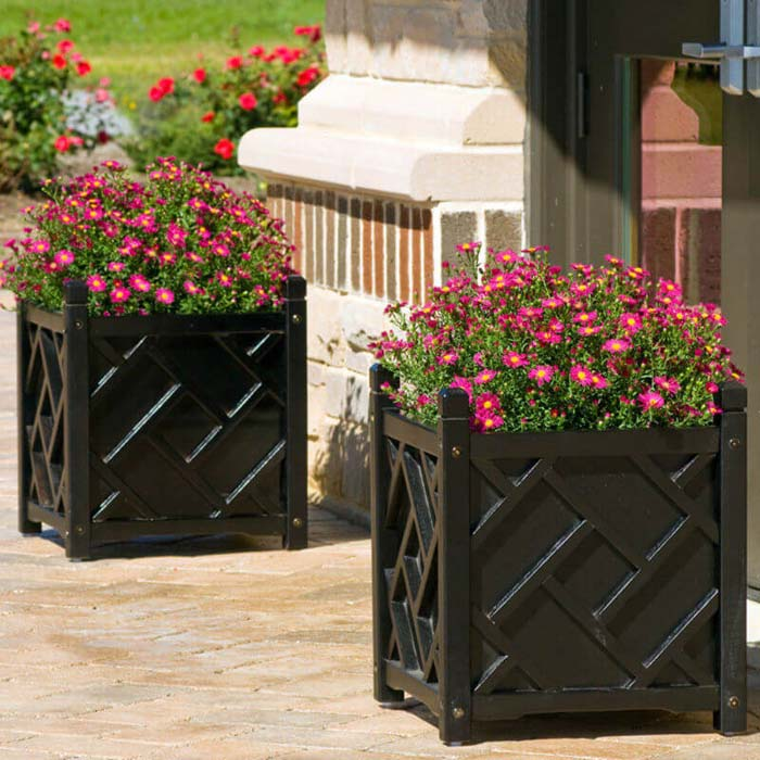 Solid Wood Chippendale Planter Box #diy #planter #porch #decorhomeideas