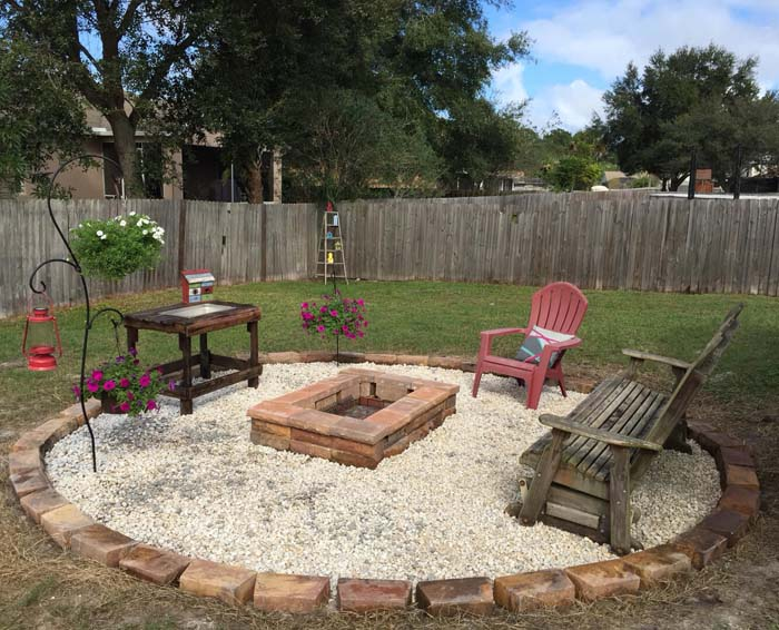 A Stone Grilling Pit for your Backyard #diy #round #firepit #decorhomeideas