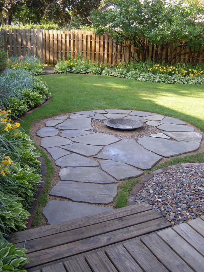 Stone Path with a Firepit Center #diy #round #firepit #decorhomeideas