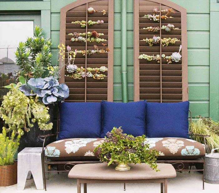 Succulents Tucked in the Slats of a Shutter #porch #wall #decor #decorhomeideas