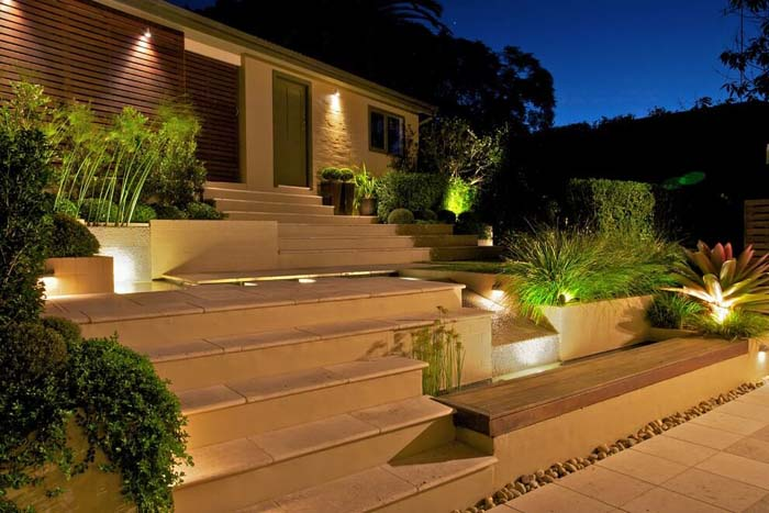 Terraced Stairs with Recessed Lighting #lighting #landscape #garden #decorhomeideas