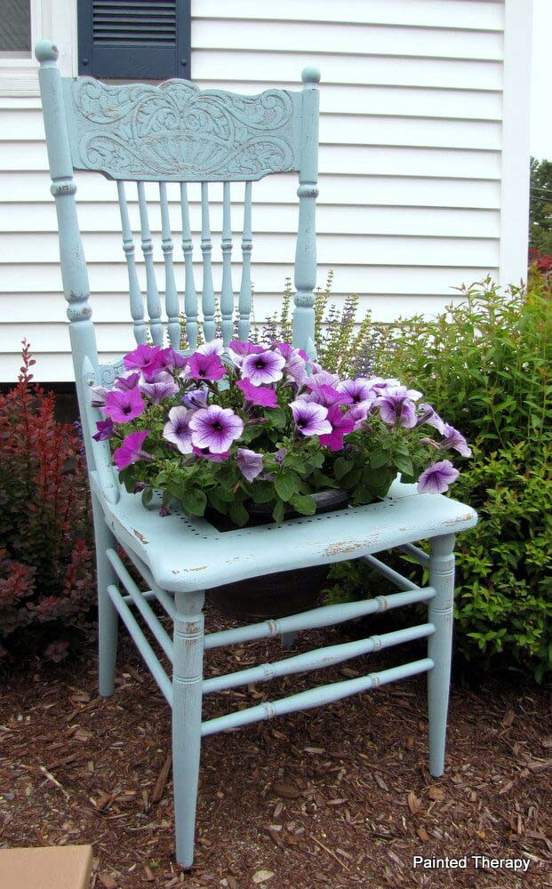 The Chair Planter #garden #upcycled #diy #decorhomeideas