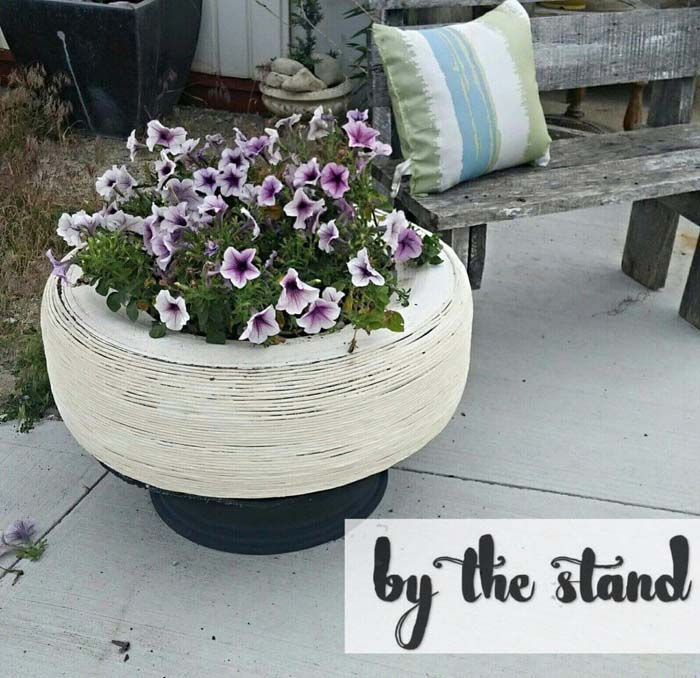 Tire Plant Holder #garden #upcycled #diy #decorhomeideas